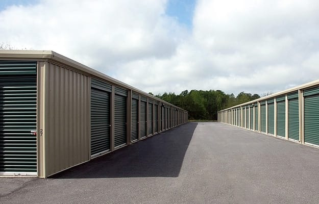 How a Storage Unit Can Be a Big Help During a Move